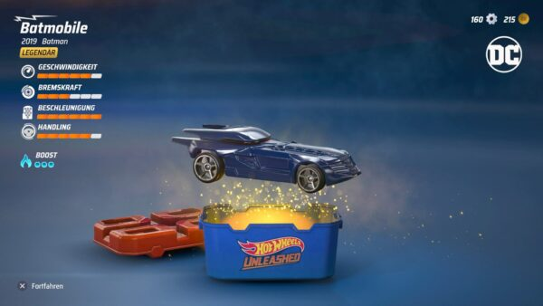 Der Screenshot zeigt das Öffnen einer Überraschungskiste - darin befand sich das Batmobile als legendäres Fahrzeug.